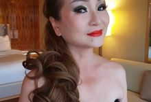 Smokey Eyes And Red Lipstick by Favor Make Up by Dian Mayasari