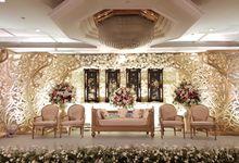 Shangri-la Hotel - Tony & Endriana by Maestro Wedding Organizer
