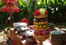 Outdoor Wedding Of Tika & Rendy by Helen's Catering