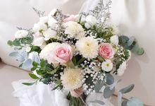 Prewedding Bouquet by Reine De Fleur