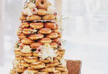 Doughnut Tower by Dough Darlings