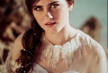 Hello Goodbye by Seyvia Charis