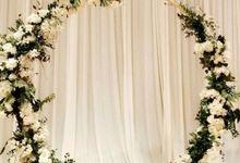 Bespoke Circular Arch by Dorcas Floral