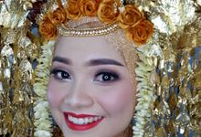 Wedding Idep by Titia Violita Gallery & Makeup