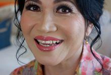 Makeup and Hairdo for Tante Marunduri Budiarti by Nike Makeup & Hairdo