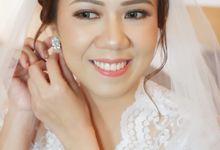 Beautiful Bride, Debora by Favor Brides