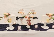 Novita & Dayne (Unstacked Wedding Cake) by Ame Cakery