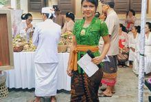 Traditional Balinese Wedding Ceremony by MC NONI ZARA