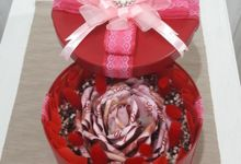 Special Gift by Amaryllis Floral Art