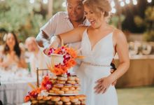 The Wedding Cake Of John & Delaney by Moia Cake