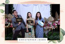 Christopher & Dawn Wedding by Foto moto photobooth