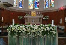 Decoration At Santa Maria Juanda Chapel by nanami florist