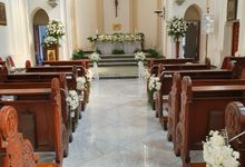 Weddingdecoration At Santaursulachapel by nanami florist