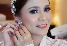 Favor Bride, Delvi..  by Favor Brides