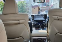 Interior by Bubu Wedding Car