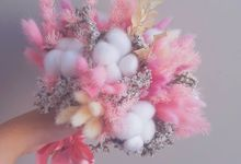 Dried Wedding Bouquet by Mile
