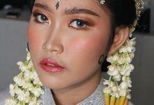 Reception Night Siger Sunda Wedding Makeup by Hana Gloria MUA