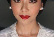 Traditional Adat Wedding Makeup Looks by Hana Gloria MUA
