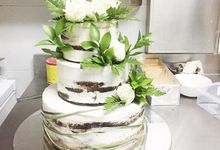 White Roses by sugarbox patisserie