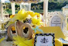 The Yellow Bright by Roseveelt Florist