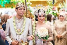 Wedding Day of Isna and Fajar by Alfka Photography