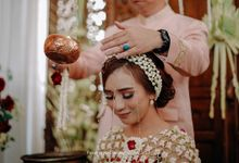 Siraman and Traditional Javanese Wedding - Yovina & Dwi by Fatahillah Ginting Photography