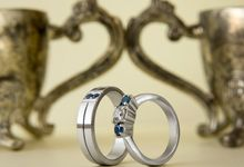 Sora wedding rings by Reine