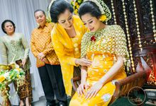 JAVANESE 7 MONTHS MATERNITY CEREMONY by Bali Izatta Wedding Planner & Wedding Florist Decorator