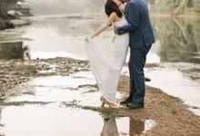 Nature Pond Romantic Prewedding Session by Kanvela