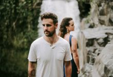 Max & Mag Honeymoon Photoshoot by Warna Project