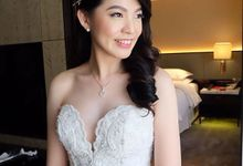 Ms. Caroline Wedding by Marsia Yulia Signature. Natural and Korean Make Up Specialist.