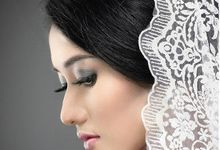 Modern X Traditional Classic Bridal by Mezuira MakeUp & Hijab Style