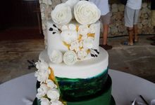 Wedding Cakes at Four Seasons Jimbaran by Henny Cookies and Cakes, Bali