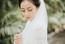 Christine & Dirga - Puri Santrian Wedding by ILUMINEN