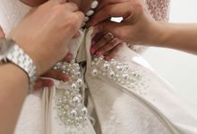 Bride's fitting session by Tommy Pancamurti