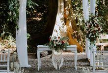 Elopement: Jasmine & Gary Jungle Wedding in Canggu by Amora Bali Weddings