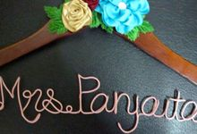 COUPLE HANGERS by Béllicimo Personalized Hanger & Favors