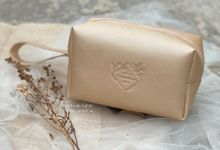 Boxy Pouch in Metallic Cream by Memoire Souvenir