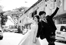 On the casual street by Cang Ai Wedding