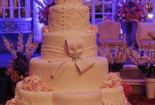 5 layers Wedding Cakes by LeNovelle Cake
