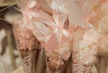 Wedding Souvenir by Gordon Blue Cake