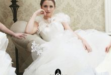 Wedding Dress by Tracy Bridal House