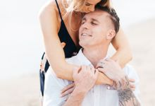Honeymoon Photo Session of James & Kim at Canggu Beach by toyodamichaelfilm