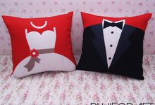 Wedding Decoration Pillow by PluieCraft