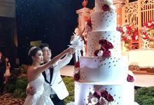 Five Tiers Wedding Cake by Liebelux Cake