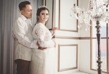 Aris & Dewi Indoor Prewedding Photoshoot by Story Photography