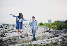 Engagement shoot at Steveston Richmond by Rebecca Ou Photography