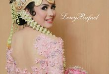Kebaya by Leny Rafael Bride