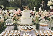 Baby Breath White Wedding Cake by YUCA Creations