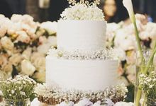 Baby Breath White Wedding Cake by YUCA Creations